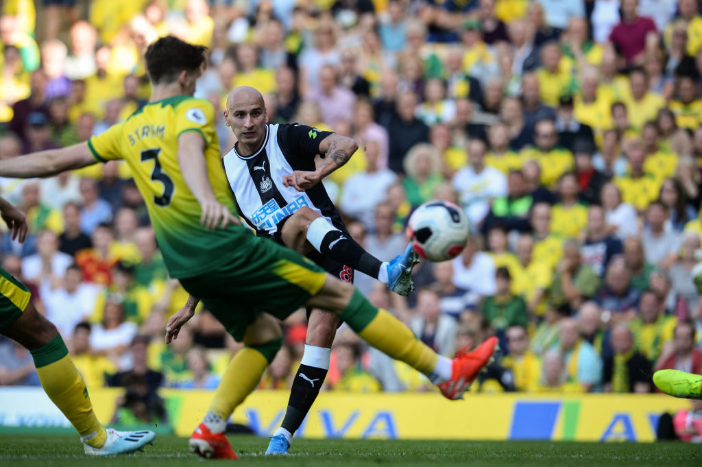 The obvious answer to Newcastle and Bruce's Jonjo Shelvey conundrum