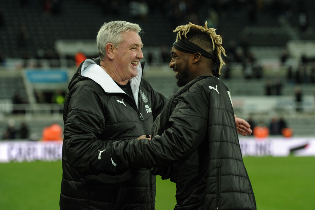 Newcastle ace Saint-maximin signs new six-year deal