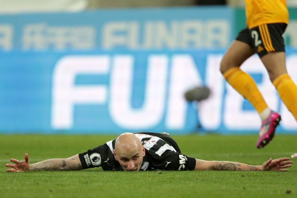 Despite criticism, Jonjo Shelvey should start for Newcastle.