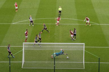 Dúbravka Newcastle United v Arsenal - Premier League